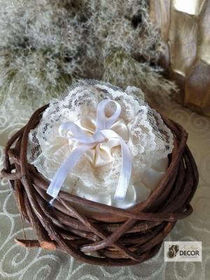 Detalhes do produto Casamento - Porta Alianças - Ninho